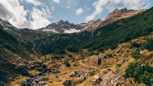 Im hiking the E5 route through the Alps